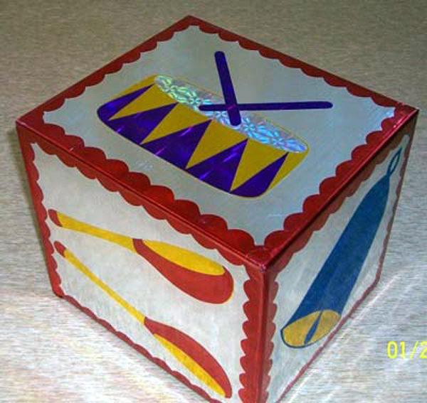 Кубик: на гранях изображены инструменты