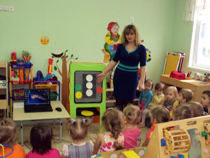 Конспект открытого занятия во второй младшей группе тарелочки для игрушек