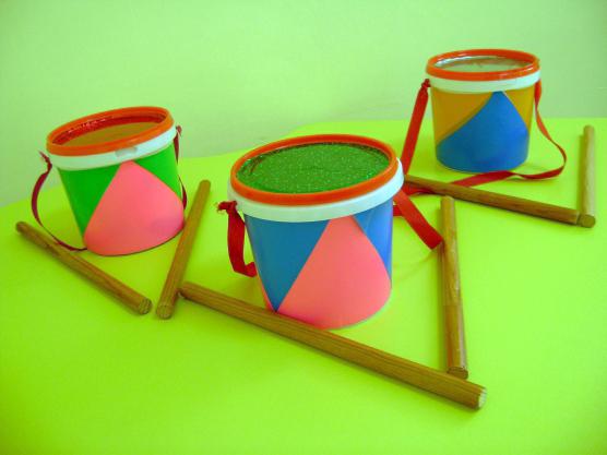 Весёлые барабаны