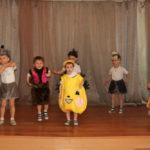 Воспитанники средней группы участвуют в мини-спектакле