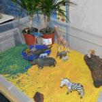 Сенсорная коробка с животными африки