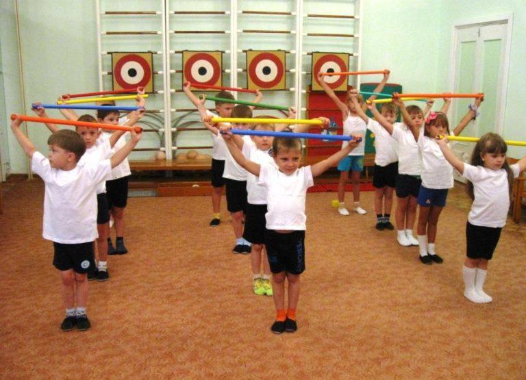 Гимнастика после сна во второй младшей группе