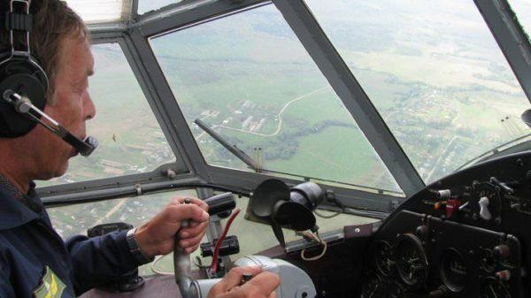 Пилот за штурвалом