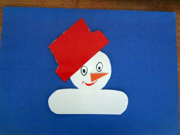 Улыбающееся лицо снеговика