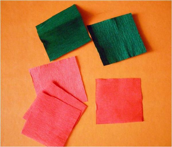 Красные и зелёные квадратики бумаги