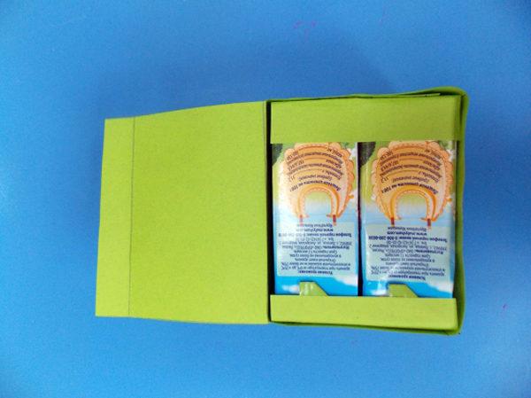 Две коробочки, обклеенные бумагой