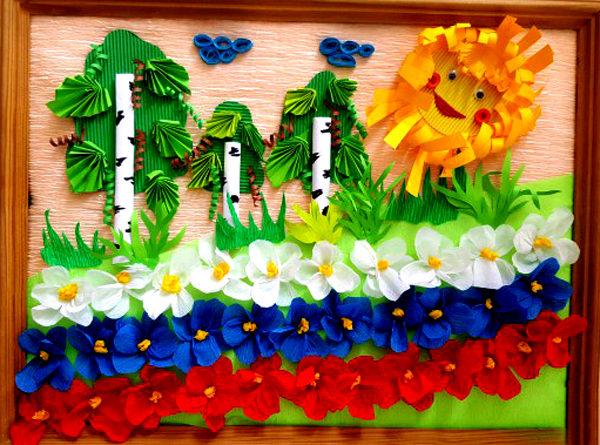 Панно из бумаги с солнцем, берёзами и цветами