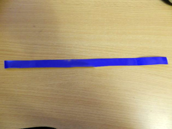 Полоска из самоклеящейся плёнки синего цвета