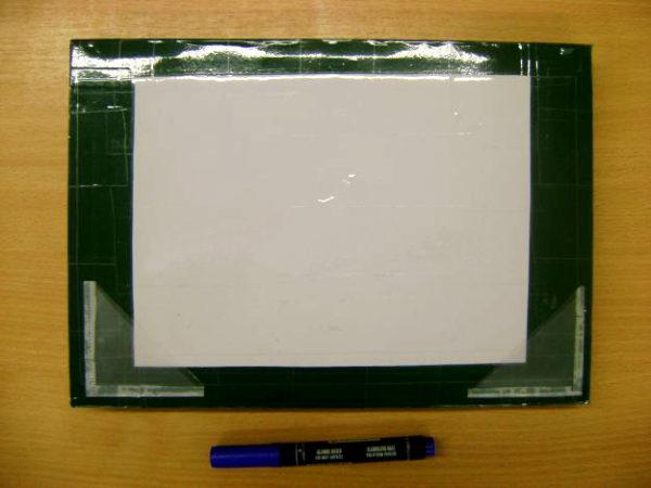 Рамка с прозрачными уголками, синий фломастер