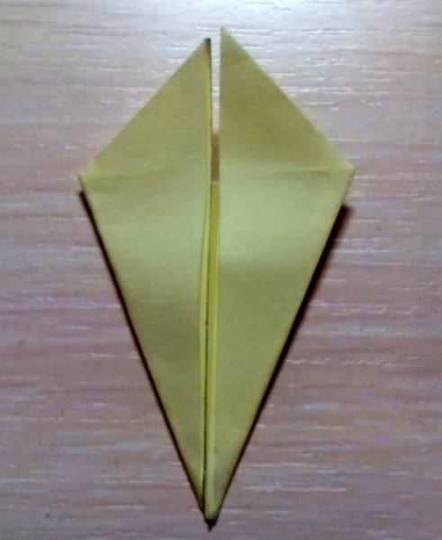 Ромб, сложенный в технике оригами