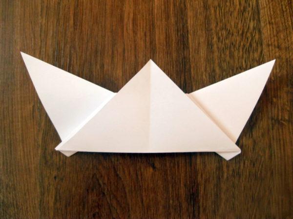 Маска в виде треугольника с ушами