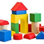 Арка и башни из строительного материала