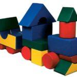Поезд из строительных модулей