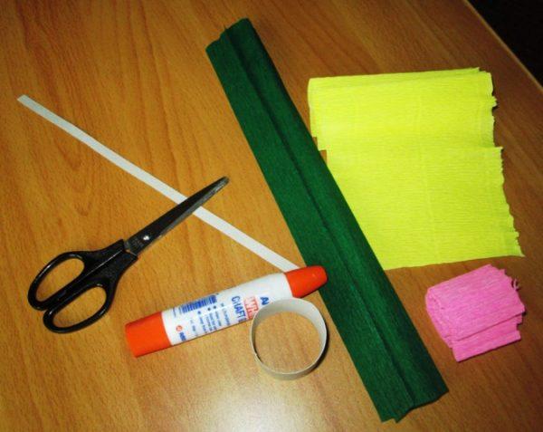 Ножницы, клей, креповая бумага разных цветов