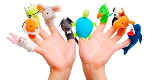 Тканевые игрушки на пальцах обеих рук