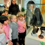 Дошкольники в музее спорта