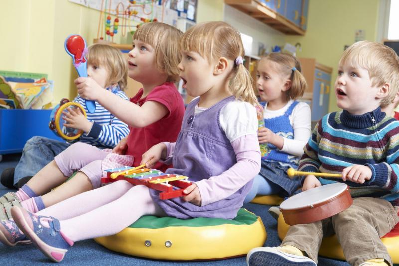 Музыкальные занятия открывают перед детьми удивительный мир звуков, мелодий и песен