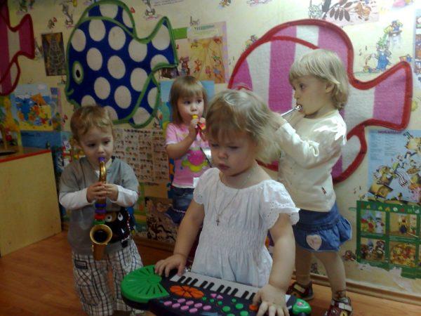 Приобщение к музыкальному творчеству младших дошкольников