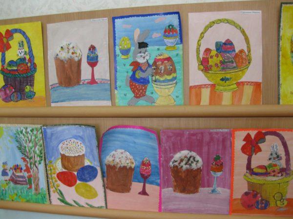 Выставка детских рисунков, посвящённых празднику Пасхи