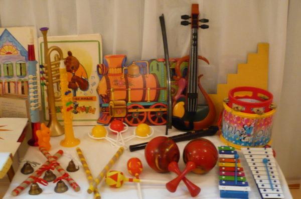 Выставка музыкальных инструментов