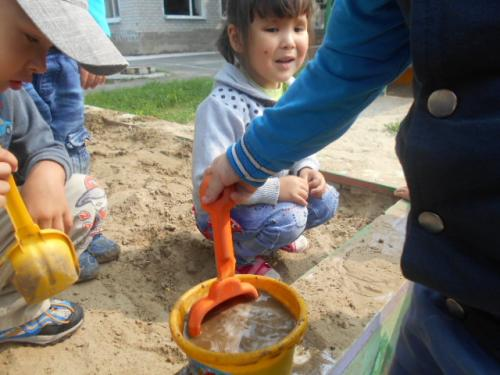 Экспериментирование с песком и водой