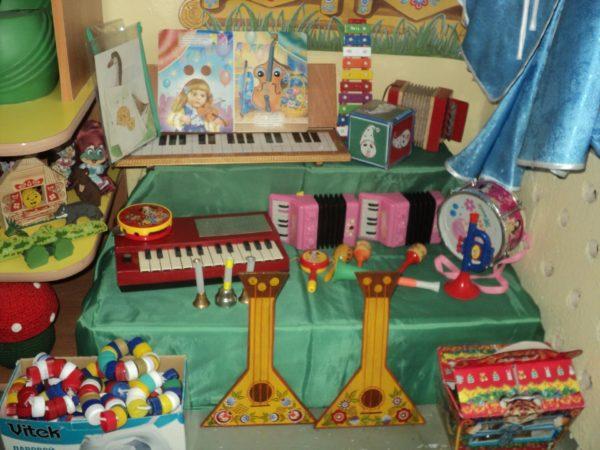 Пример оформления музыкального уголка в детском саду