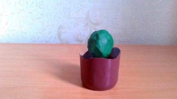 Пластилиновый шарик