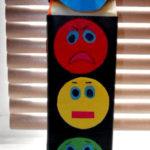 «Эмоциональный светофор» — объёмная поделка в технике конструирования из бумаги
