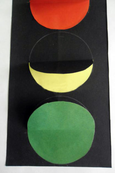 Вклеенные в заготовку цветные круги