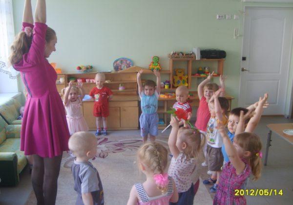 Упражнение для рук на физкультминутке