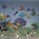 Аквариум с рыбками на ниточках