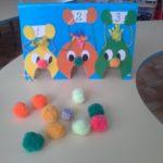 Обжорки и шарики из цветной пряжи