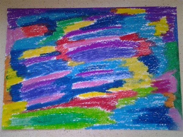 Основа, раскрашенная цветными восковыми мелками