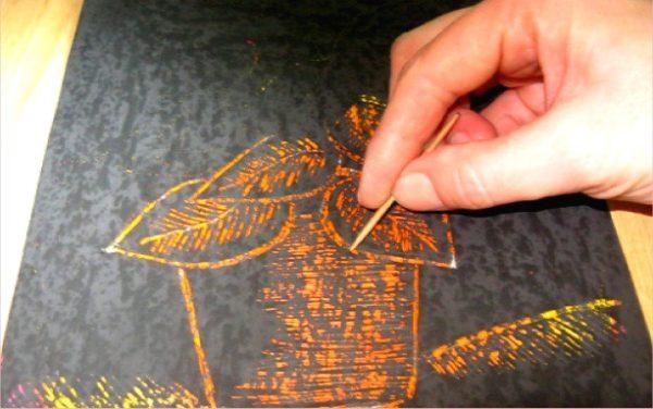 Рисование комнатного растения зубочисткой на чёрном фоне