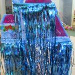 Волшебный домик с занавесом из дождика