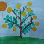 Рисунок яблони с яблоками