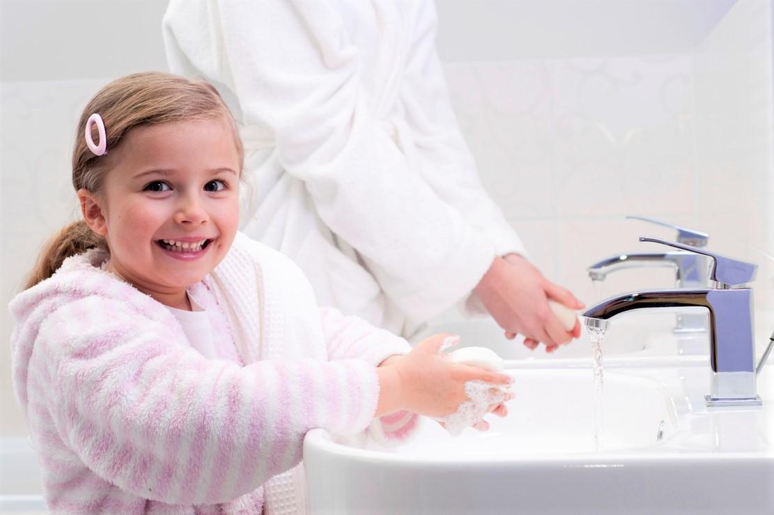 Учим малыша мыть руки