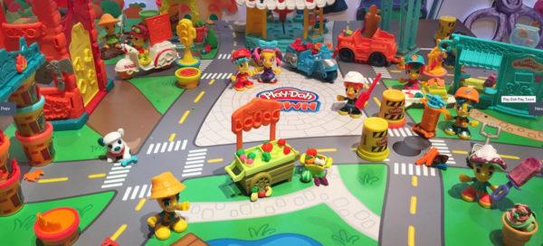 Набор Play-Doh Town для игры «Строим город»