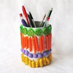 Аппликация из макарон на стакане для карандашей