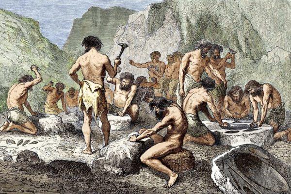 Древние люди трудятся