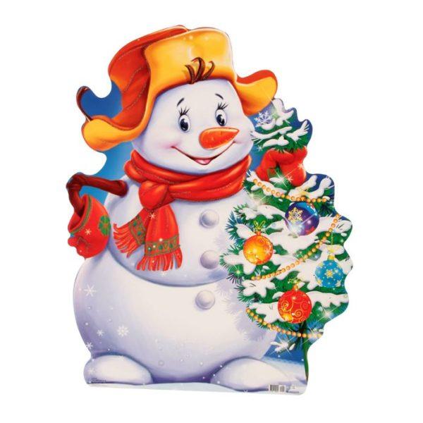 Снеговик держит в руках наряженную ёлочку