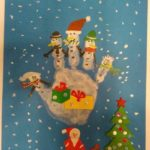 Весёлый снеговик и ёлка