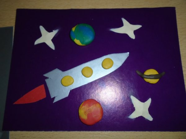 Аппликация и пластилин на тему Космос