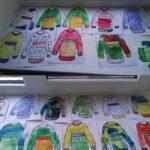 Длинные свитера, украшенный узорами и контрасными цветами