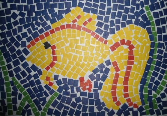 Золотая рыбка в мозаичной технике