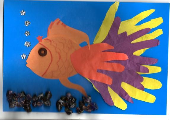Рыбка из ладошек