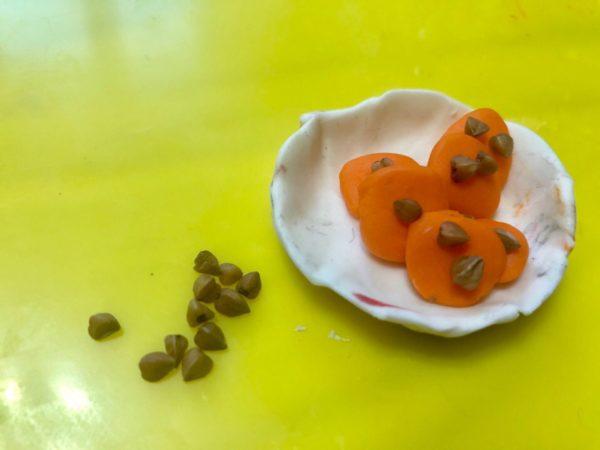 Угощение для кукол: печенье с крупой