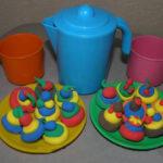 Пластилиновое угощение для игрушек