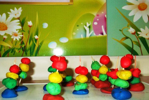 Башни из пластилиновых шариков