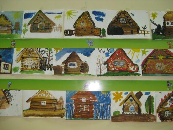 Выставка работ «Домики»